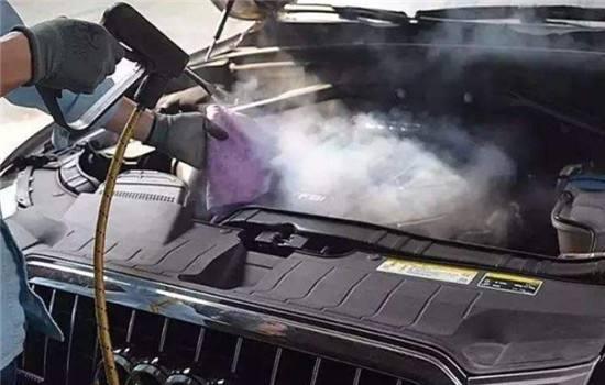这家汽车美容店提高了洗车价格,反而引来了大批客户,怎么回事